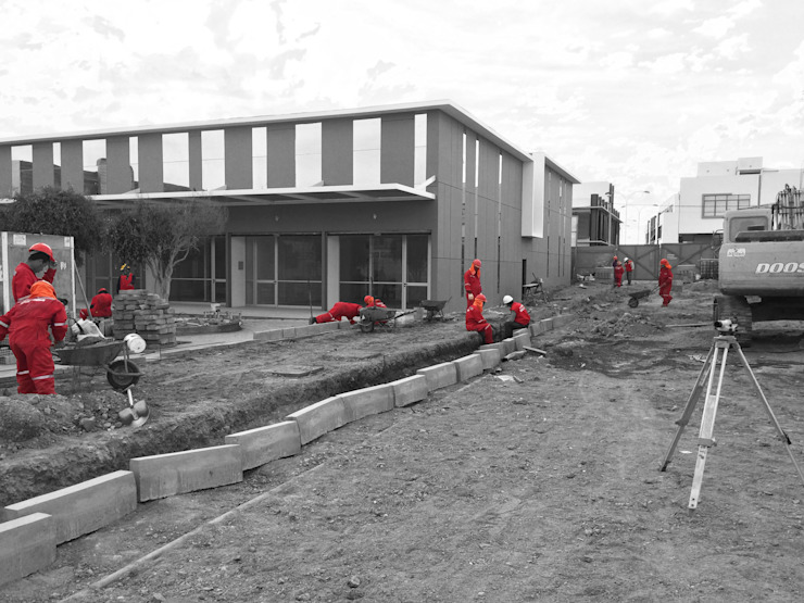 Locales Comerciales Ligure Casas de estilo minimalista de Constructora CONOR Ltda - Arquitectura / Construcción Minimalista