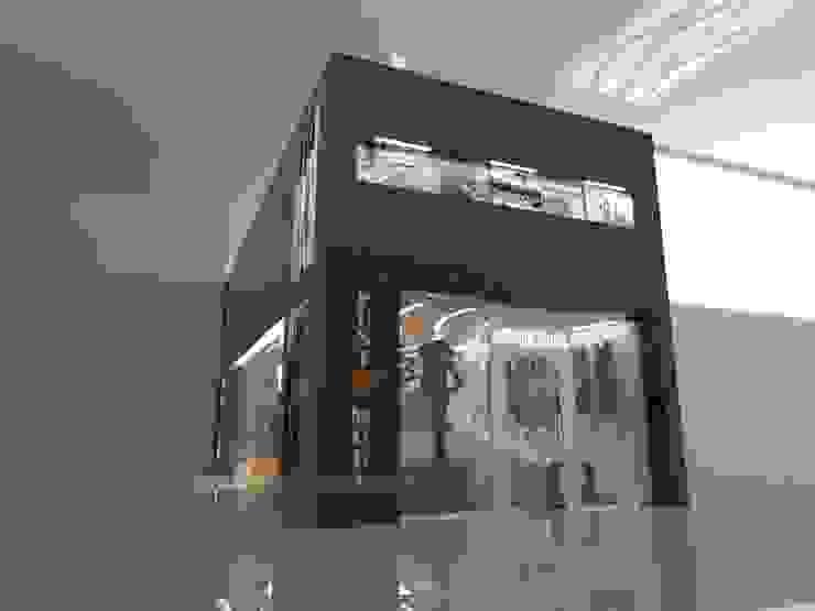 by CelyGarciArquitectos c.a. Minimalist Granite
