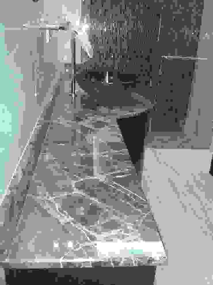 CelyGarciArquitectos Ванна кімната Мармур Коричневий