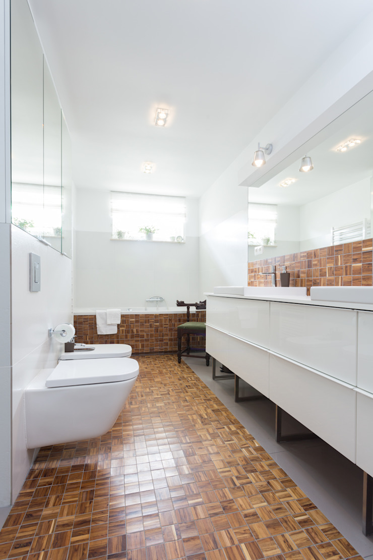 Classic style bathroom by Kraupe Studio Classic