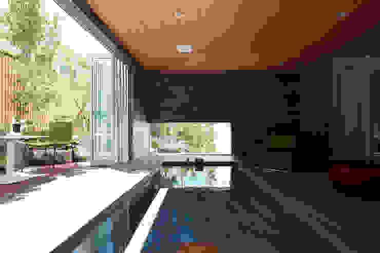 Mアーキテクツ|高級邸宅 豪邸 注文住宅 別荘建築 LUXURY HOUSES | M-architects Modern bathroom Tiles Black