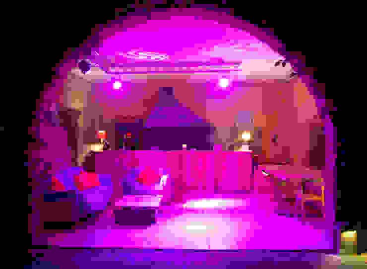 Bar, BBQ & ChillOut OutSide Tech Light Jardines de estilo rural