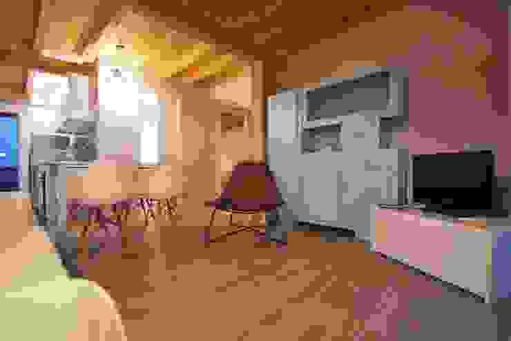 Mediterrane Wohnzimmer von Viviana Pitrolo architetto Mediterran