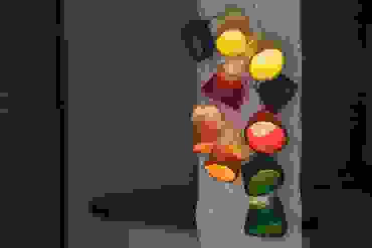 Garland string lights od Ekaterina Galera Skandynawski Wełna Pomarańczowy