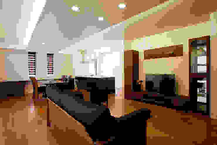 Moderne Wohnzimmer von Franka Modern