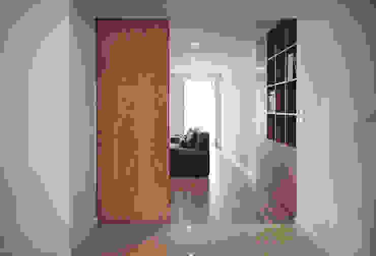 Casa em Lavra, Matosinhos Salas de estar minimalistas por ASVS Arquitectos Associados Minimalista