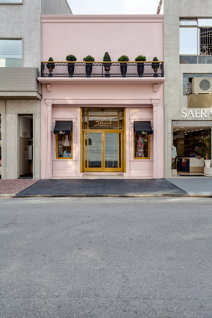 Locaux commerciaux & Magasin classiques par Piloni Arquitetura Classique