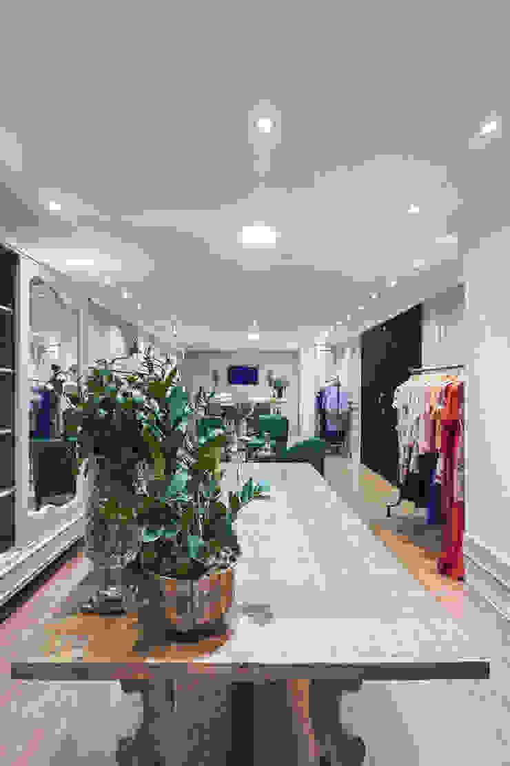 Klassische Einkaufscenter von Piloni Arquitetura Klassisch