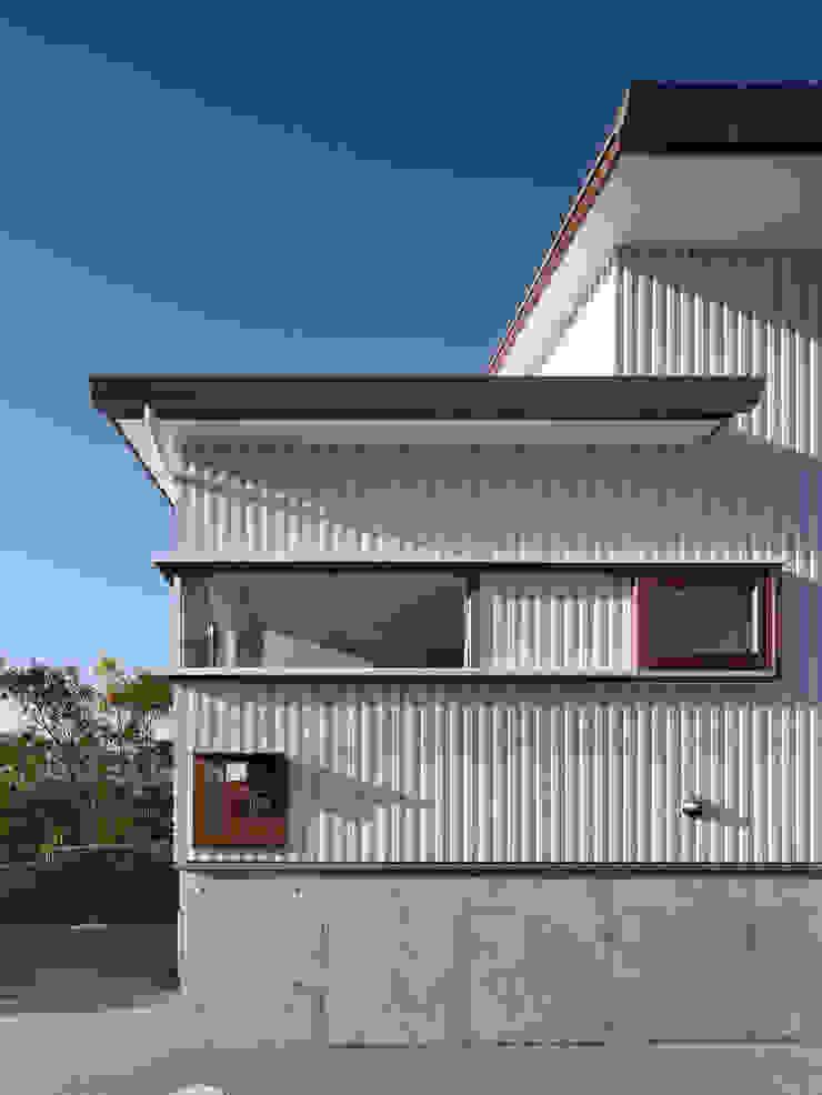 生駒の家-float terrace- モダンな庭 の 祐建築設計事務所 モダン