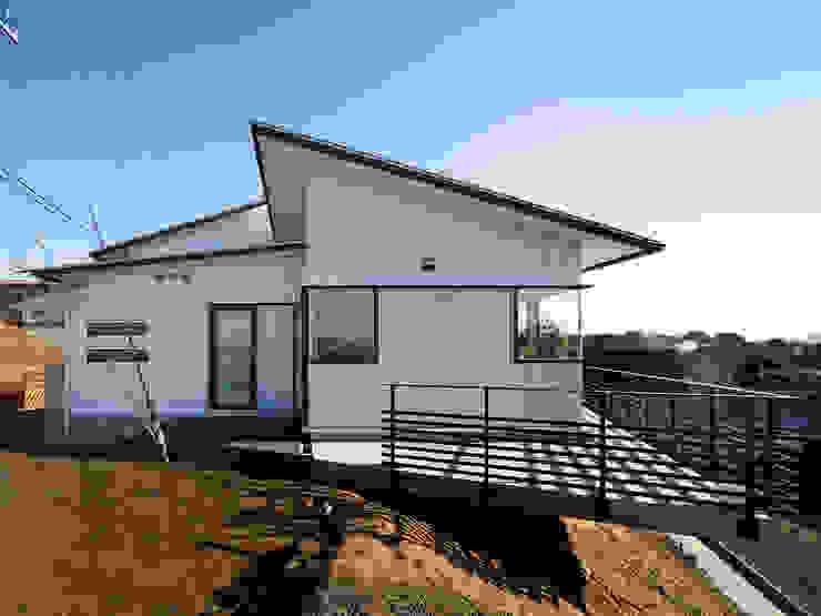 生駒の家-float terrace- モダンな 家 の 祐建築設計事務所 モダン