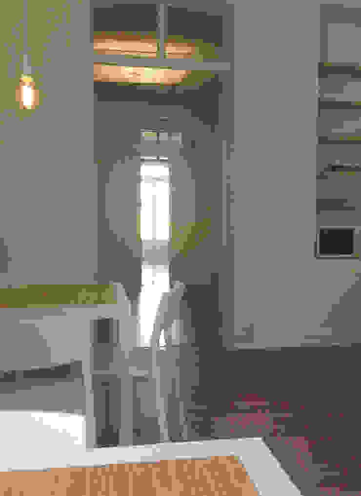 Reabilitação Edifício Rua Comandante João Belo, Leiria Salas de jantar modernas por mube arquitectura Moderno