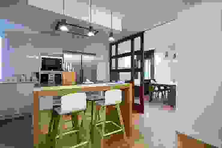 ห้องครัว โดย Línea 3 Cocinas Madrid, โมเดิร์น
