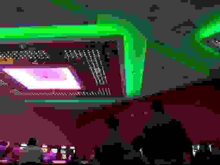 Iluminación LED Casino Palace Cancún, México. Salas multimedia modernas de Iluminación LED Moderno