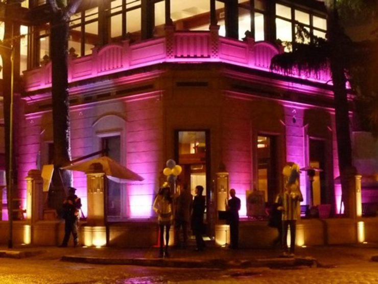 Casas estilo moderno: ideas, arquitectura e imágenes de Iluminación LED Moderno