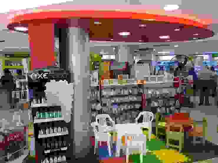Iluminación LED Farmacia y perfumería Pacheco Norte de Iluminación LED Moderno