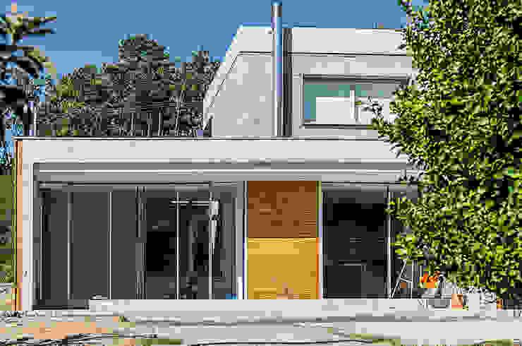 Rumah Gaya Industrial Oleh Fernández Luna Oficina de Arquitectura SCP Industrial