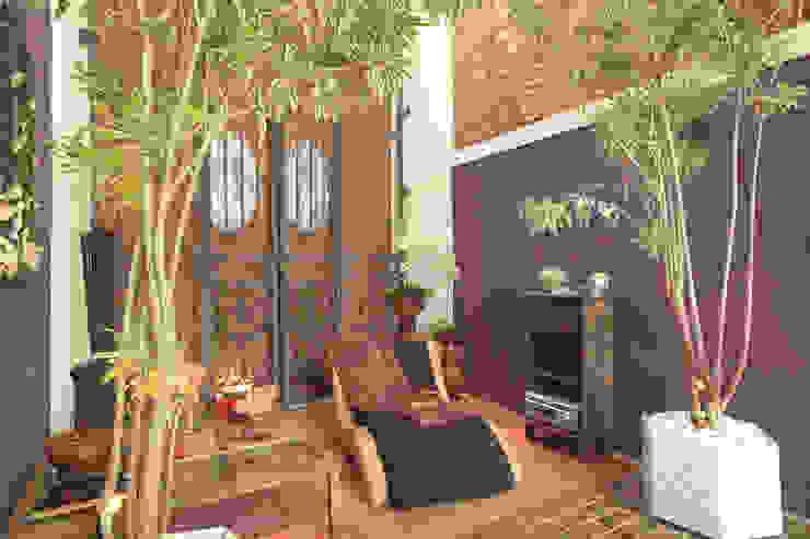Lounge | Casa Cor 2005 | Salvador-Ba Espaços comerciais modernos por Maria Julia Faria Arquitetura e Interior Design Moderno