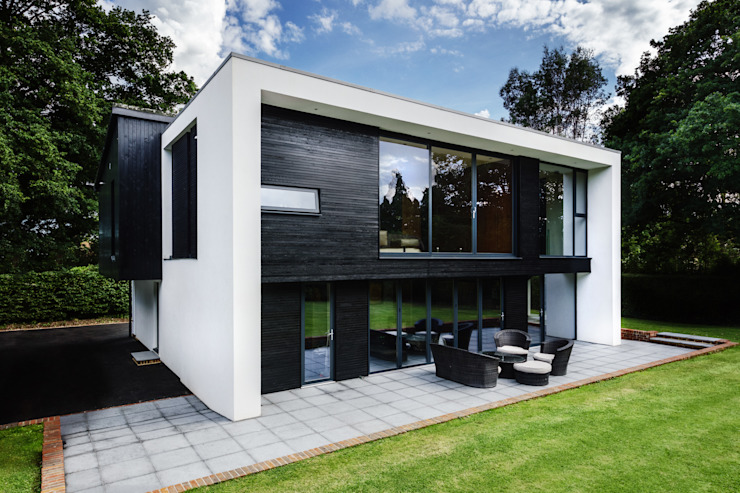 The Garden House Rumah Modern Oleh Re-Format LLP Modern