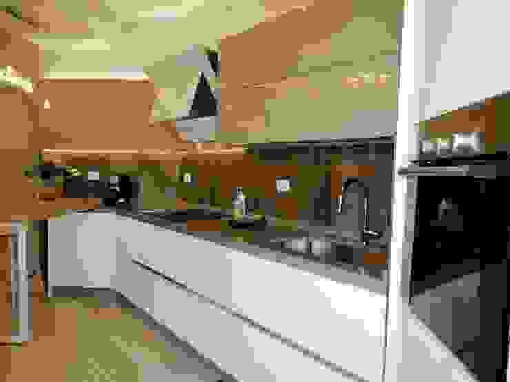 casa moderna a Roma Cucina moderna di NicArch Moderno