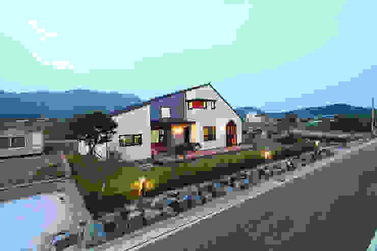 Casas de estilo  de 주택설계전문 디자인그룹 홈스타일토토