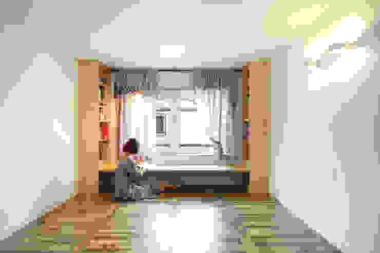 Modern style bedroom by 주택설계전문 디자인그룹 홈스타일토토 Modern Wood Wood effect