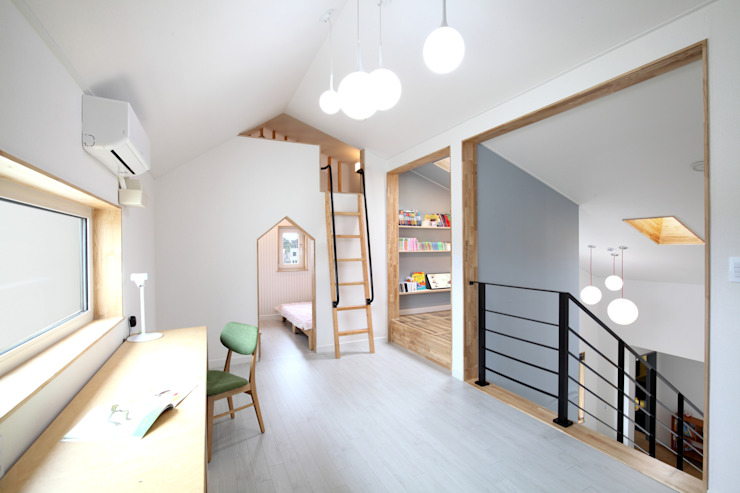 โดย 주택설계전문 디자인그룹 홈스타일토토 โมเดิร์น แผ่นไม้อัด