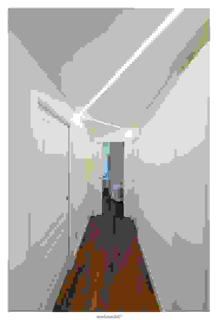 GINO SPERA ARCHITETTO Mediterranean corridor, hallway & stairs