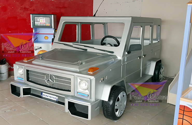 Sofisticada cama tipo Mercedes Benz G500 de Kids Wolrd- Recamaras Literas y Muebles para niños Moderno Derivados de madera Transparente