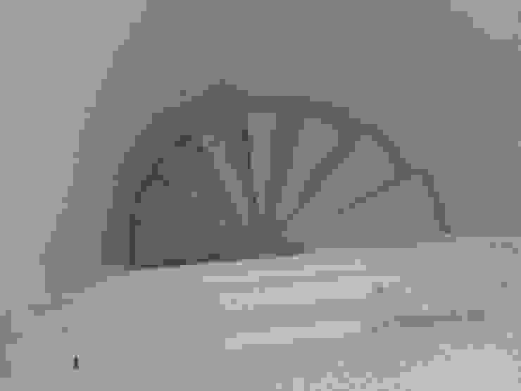 Casa Moreno Pasillos, vestíbulos y escaleras modernos de Rueda Arquitectura y Bienes Raíces Moderno