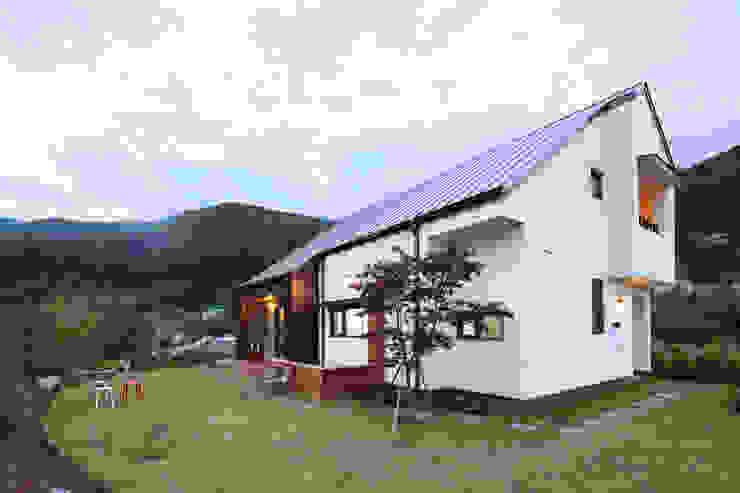 Casas de estilo  de 주택설계전문 디자인그룹 홈스타일토토, Moderno