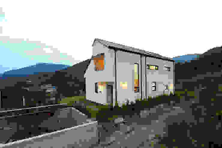 측면 모던스타일 주택 by 주택설계전문 디자인그룹 홈스타일토토 모던