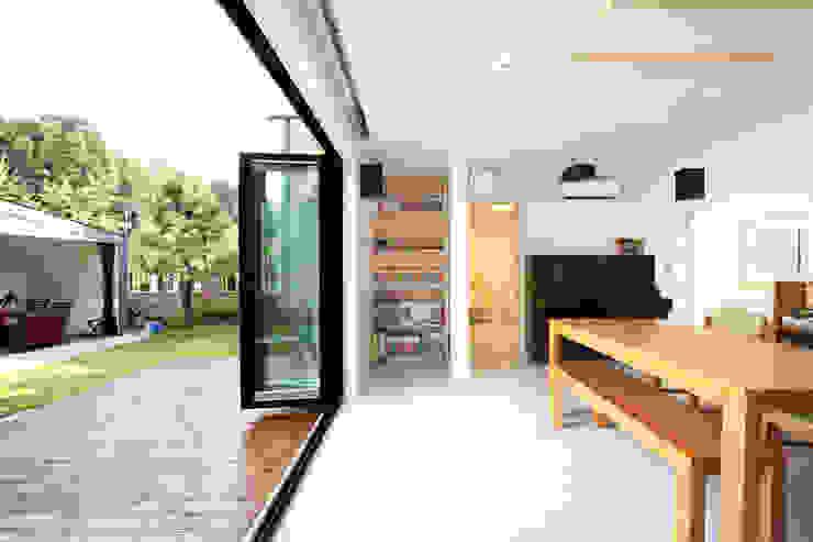 거실 모던스타일 거실 by 주택설계전문 디자인그룹 홈스타일토토 모던