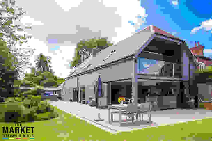 Stunning Exterior Modern houses by The Market Design & Build Modern