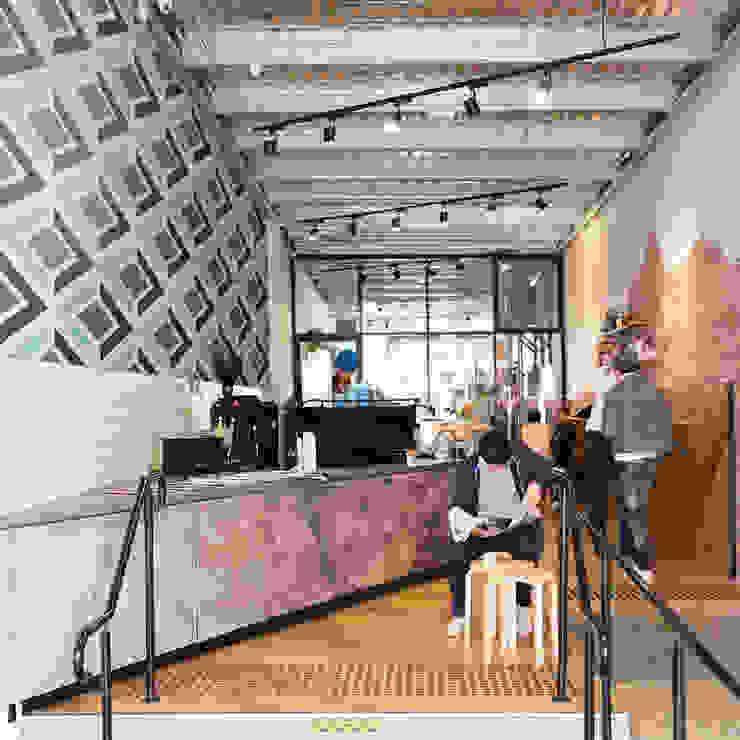 Geometric design Industriale Wände & Böden von Pixers Industrial