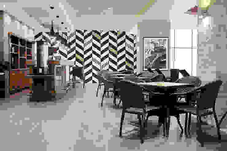 Black and white Moderne Wände & Böden von Pixers Modern
