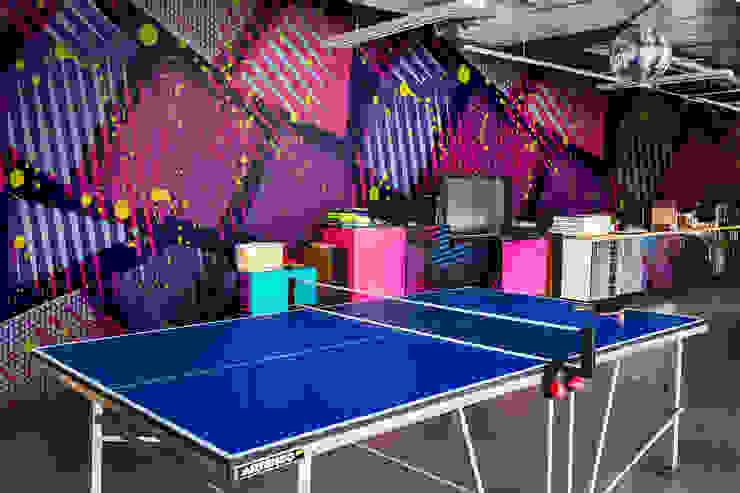 Neon Geometry Moderne Arbeitszimmer von Pixers Modern