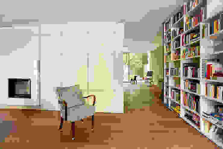 Modern Living Room by bogenfeld Architektur Modern