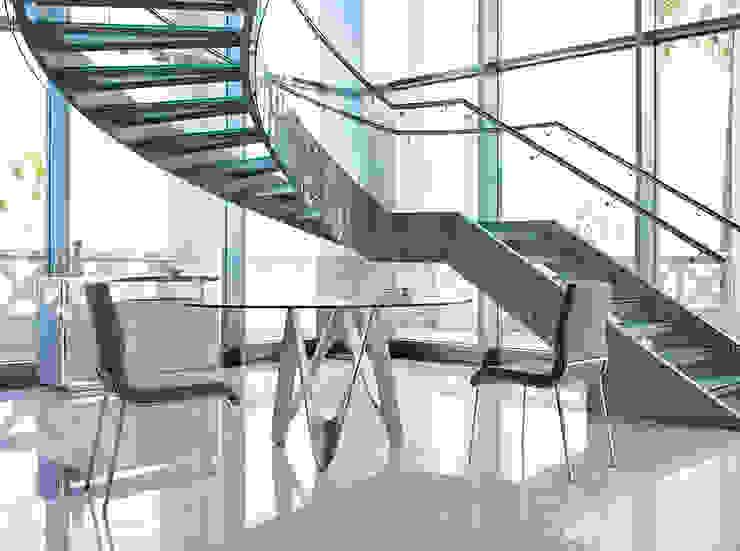 Mesas de design c/ tampo de vidro redondo Tables of design w/ round glass top www.intense-mobiliario.com GLINT por Intense mobiliário e interiores; Moderno