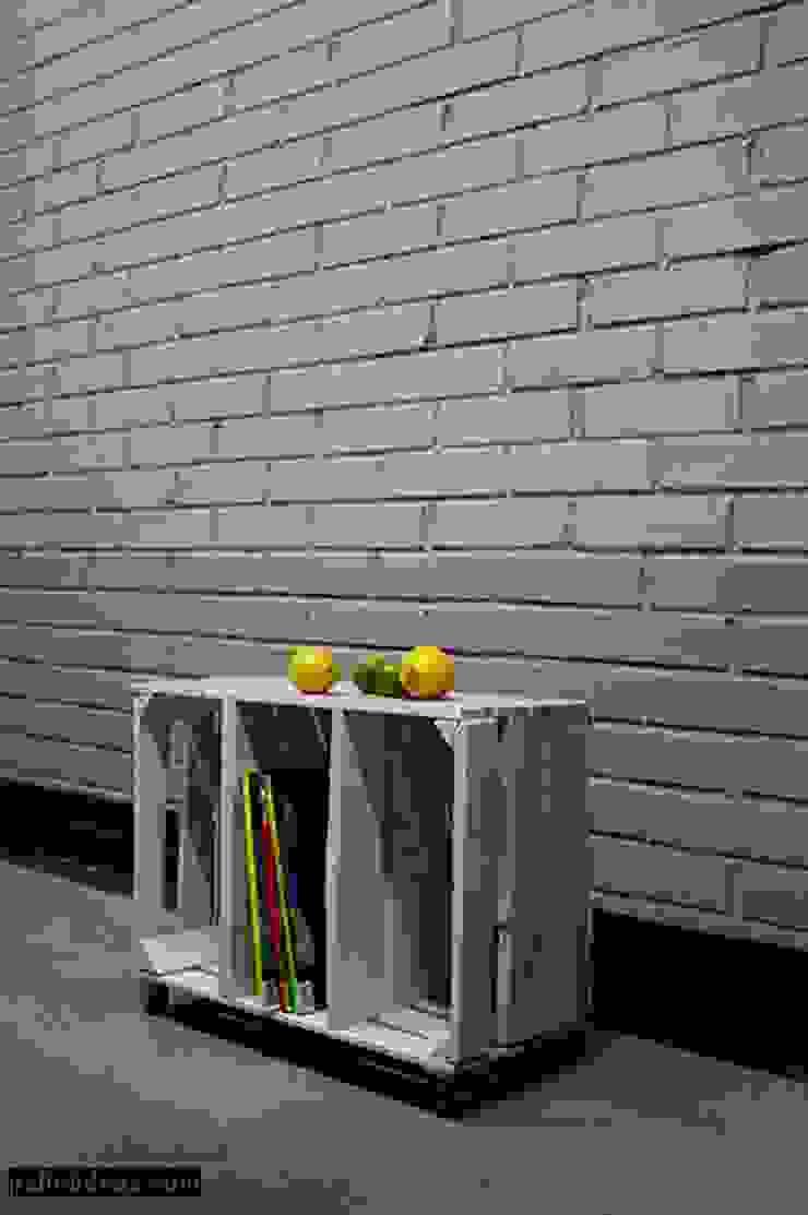 szafka- stolik ze srzynki od Palletideas Industrialny Drewno O efekcie drewna