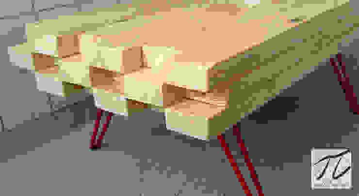 Stolik kawowy z belek od Palletideas Industrialny Drewno O efekcie drewna
