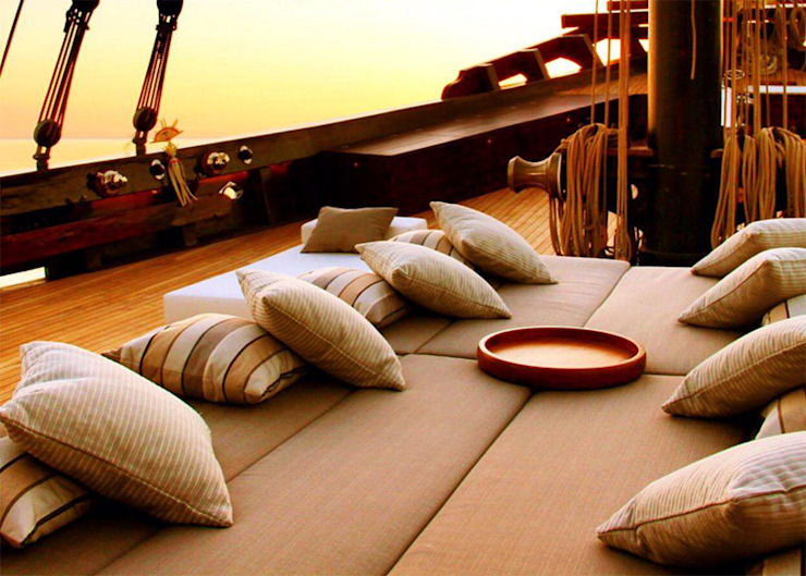 Front Deck Daybed Asian style yachts & jets by Deirdre Renniers Interior Design Asian Wood Wood effect