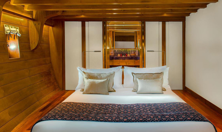 Guest Cabin Asian style yachts & jets by Deirdre Renniers Interior Design Asian Wood Wood effect