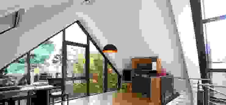 by Architekturbüro Schumann Modern