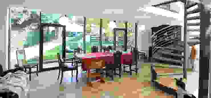 Modern dining room by Architekturbüro Schumann Modern