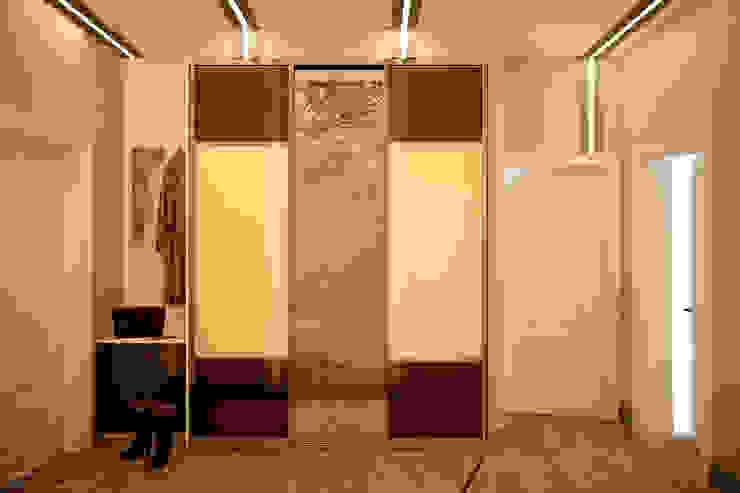 """Дизайн прихожей в ЖК """"Каскад"""" Коридор, прихожая и лестница в модерн стиле от Студия интерьерного дизайна happy.design Модерн"""