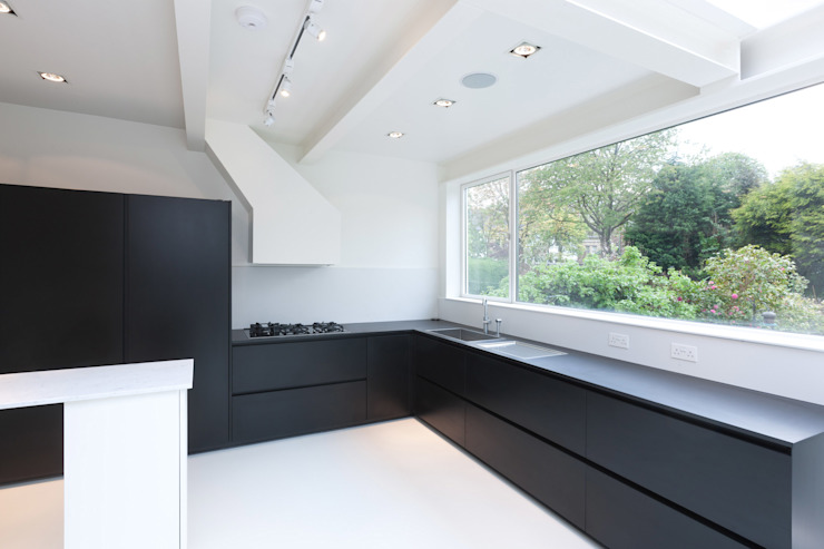 Dudley Road in Manchester Modern kitchen by Studio Maurice Shapero Modern
