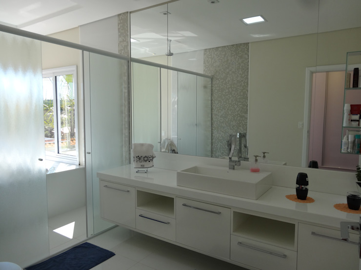 Casa SN Lozí - Projeto e Obra Banheiros modernos