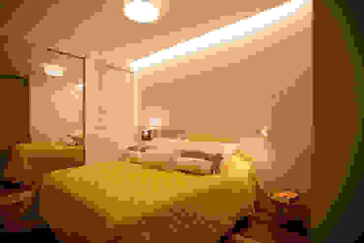 Modern style bedroom by L2 Arquitetura Modern