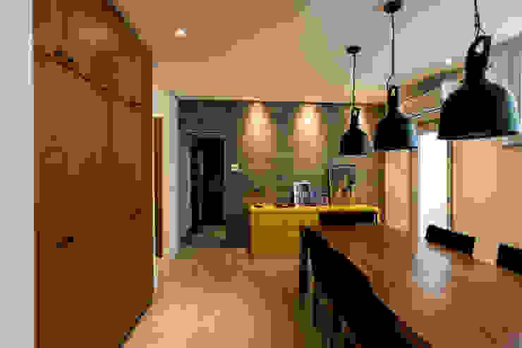 L2 Arquitetura Sala da pranzo moderna Legno Effetto legno