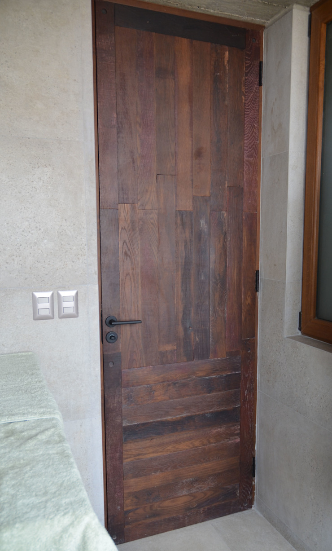 Puerta interior de duelas. Ignisterra S.A. Puertas y ventanas rústicas Madera Marrón